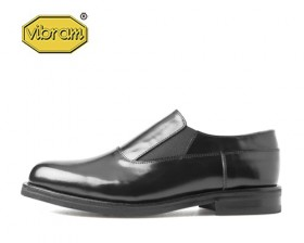 BLACK BOX PLAIN TOE SLIP ON